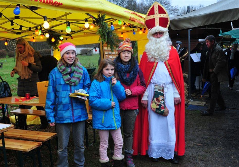 Der Nikolaus war mit Geschenken unterwegs.