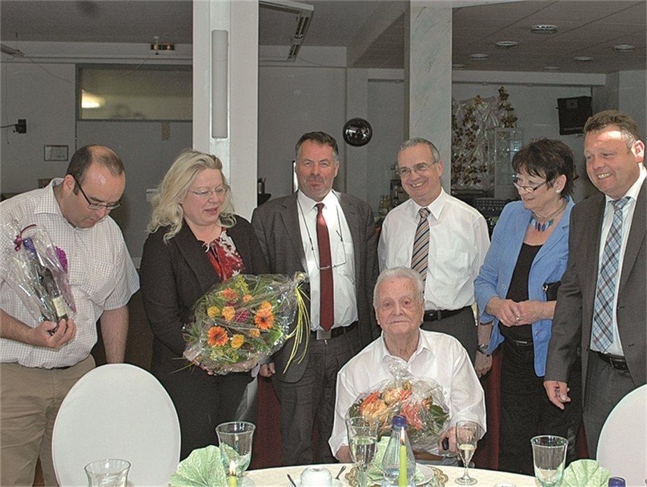 Cornelis Schreyer wurde 100 Jahre alt. Im Maranatha SeniorenZentrum Bad Bodendorf wurde gefeiert.