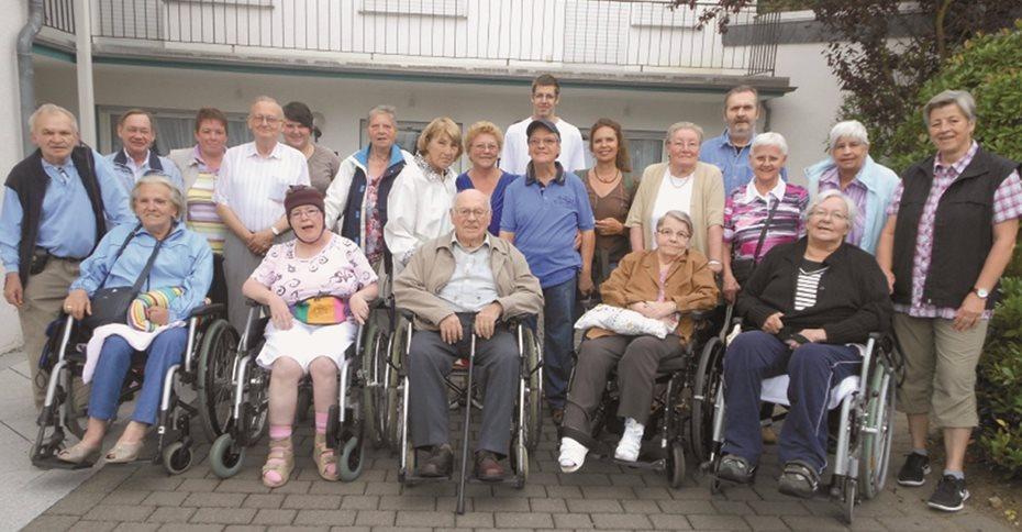 """15 Bewohner des Seniorenzentrums verbrachten gemeinsam mit ihren Betreuern wunderschöne Tage im Hotel """"Zum grünen Kranz"""" in Zell an der Mosel."""