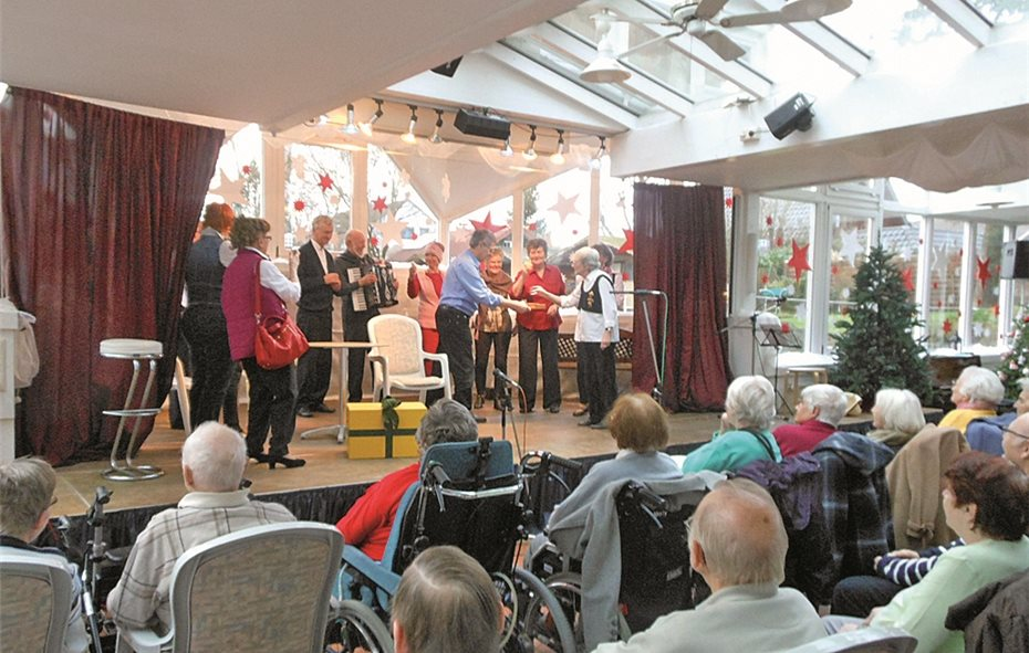 """Theatergruppe """"Die Bühnengeister"""" war zu Gast im Seniorenzentrum Maranatha"""