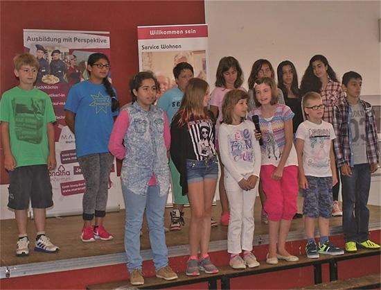 Bühneprogramm sorgte für Auflockerung im Maranatha SeniorenZentrum in Sinzig-Bad Bodendorf.
