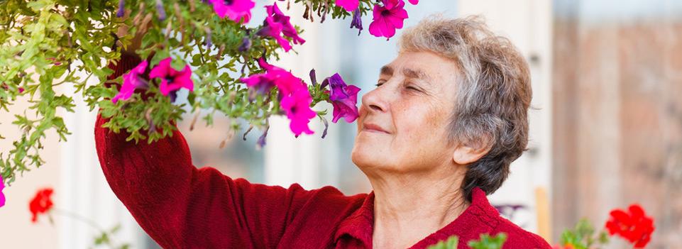 Durch die Bezugspflege haben die Bewohner jeden Tag vertraute Gesichter um sich. Maranatha SeniorenZentrum in Bad Bodendorf.