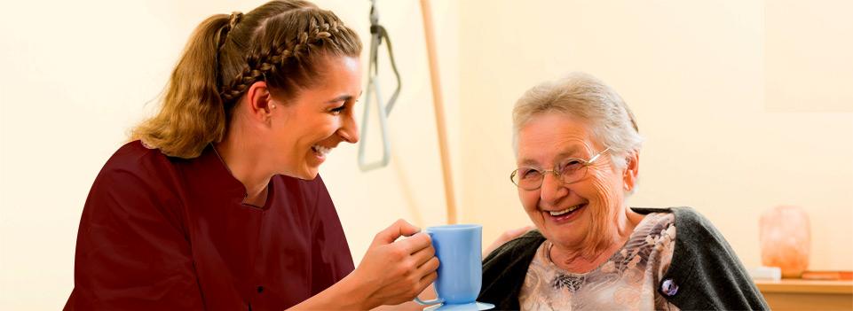 Gerade in solchen Fällen bietet das SeniorenZentrum Maranatha den Service, pflegebedürftige Senioren vorübergehend in der Kurzzeitpflege aufzunehmen.